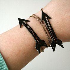 DIY – Leather arrow bracelet