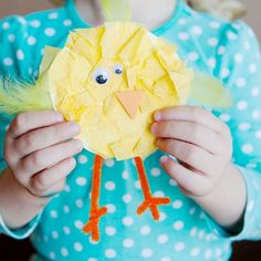 Fluffy baby chicks using tissue paper. Perfect kids craft for Spring or Easter. #diy