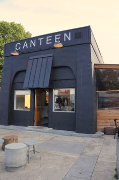Portland Spotlight #2 There are few things more perfect than a wine date with a friend, while the sun is out, at Canteen. Amazing juices + delicious vegan bowls and salads + local wine/beer + adorable scandinavian styling = Favorite Portland haunt,...