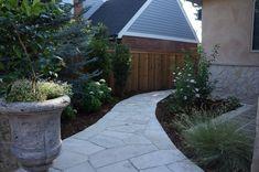 Mediterranean Courtyard | Buff Flagstone Walkway | Denver, Colorado | by Prolithic Designs