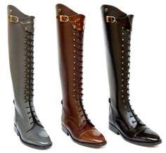 Petri riding boots..