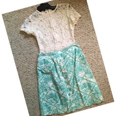 Lily Pulitzer Skirt SZ 4 Lily Pulitzer blue and white scalloped skirt SZ 4 Lilly Pulitzer Skirts Midi