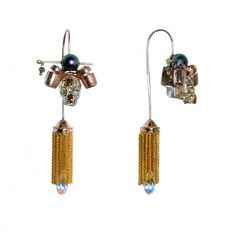 Match your Geisha brooch with these tassel earrings carrying the same theme  http://www.ananasa.com/geisha-s-mystery-stiff-neck-earrings-with-tassel.html