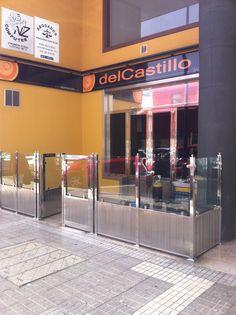 Puertas y cancela de acero inoxidable y cristal. Tenerife