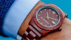 UDINEINVETRINA #orologi #legno