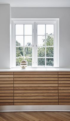 The Foolproof Customized Kitchen Cabinets in Smoked Oak Strategy Whichever prepared to assemble cabinet you will prefer, you will certainly secure stu. Cute Kitchen, Kitchen Redo, Kitchen Styling, Rustic Kitchen, Kitchen Cabinets, Kitchen Dining, Küchen Design, House Design, Dream Decor