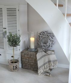 Großartige Schönen Mittwoch aus dem regnerischen Norden - You are in the right place about diy crafts Here we offer you the most beautiful pictures about th - Living Room Decor, Bedroom Decor, Living Rooms, Estilo Shabby Chic, Beach House Decor, Home Decor, Romantic Homes, Happy Wednesday, French Decor