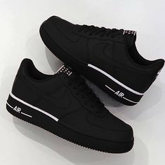 Women shoes With Jeans Street Styles - Comfortable Women shoes Winter - Women shoes Sneakers Nike - - Designer Women shoes Fashion Designers Nike Air Shoes, Sneakers Nike, Black Sneakers, Sneakers Women, Nike Shoes Outfits, Hypebeast Sneakers, Gucci Sneakers, Latest Sneakers, Shoes Sport
