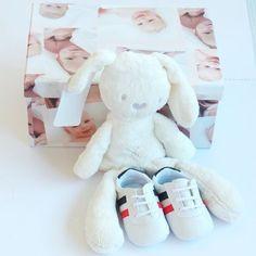 Baby plush rabbit.  Peluche conejito.
