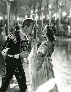 Leslie Howard and Norma Shearer in Romeo and Juliet c.1936