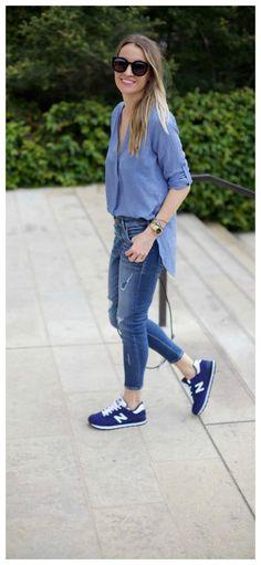 look casual com calça jeans total e tênis estiloso Estilo Esportivo 667ff64659f