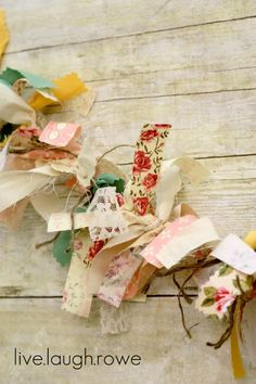 How do I create a fabric banner with scrap fabric?{DIY} Vintage Scrap Fabric and String brilliant ideas for upcycling your existing fabric - upcycle my brilliant ideas for upcycling your existing fabric - Scrap Fabric Projects, Fabric Scraps, Craft Projects, Fabric Remnants, Fabric Garland, Bunting Garland, Fabric Banners, Creative Crafts, Diy And Crafts