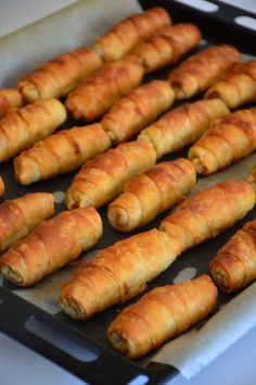 Crispy Pastry with Starch – Chicken Recipes Turkish Recipes, Ethnic Recipes, Puff Pastry Recipes, Eastern Cuisine, Snack Recipes, Snacks, Brunch, Food And Drink, Yummy Food