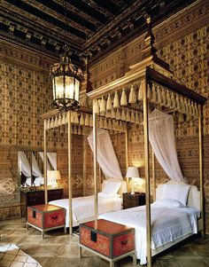 Indian inspired bedroom at the Palazzo Brandolini, Venice renovated by Tony Duquette & Hutton Wilkinson
