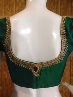 20 Best types of blouse designs for every woman - ArtsyCraftsyDad Hand Work Blouse Design, Simple Blouse Designs, Stylish Blouse Design, Fancy Blouse Designs, Bridal Blouse Designs, Blouse Back Neck Designs, Aari Work Blouse, Silk Saree Blouse Designs, Designer Blouse Patterns
