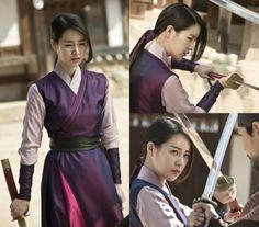 Lim Ji Yeon is a Fierce Woman on a Mission in 'Daebak' Stills Korean Traditional Dress, Traditional Dresses, Lim Ji Yeon, Korea Dress, Warrior Outfit, Manga Hair, Human Poses Reference, Fierce Women, Chinese Culture