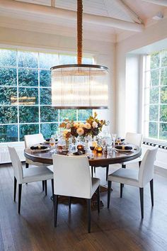 Stylist Fiona Gould tells us four styling tips that will help you make a dark colour scheme and dark stained furniture look fresh in grand dining room with round table. Dining Room Lighting, Dining Lighting, Luxury Outdoor Furniture, Stylish Living Room, Dining Room, Dining Room Pendant, Pendant Lighting Dining Room, Room Lights, Dining Room Inspiration