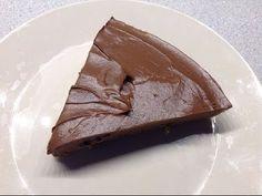 RAW AVOCADO CHOCOLATE FUDGE CAKE RECIPE: KETO - YouTube