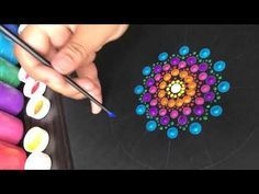 Como hacer mandala en puntos acrilicos | how to draw dots mandala acrylic - YouTube