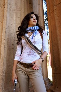 Female Nathan Drake (Rule 63) by xtifalockheart.deviantart.com on @DeviantArt