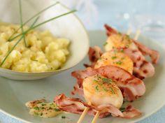 Découvrez la recette Brochettes de saint-jacques au lard grillé sur cuisineactuelle.fr.