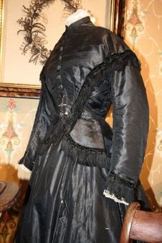 victorian mourning dress.