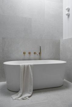 Classic Coastal Bathroom Colour Scheme — Zephyr + Stone Beach House Bathroom, Stone Bathroom, Laundry In Bathroom, Minimalist Bathroom Design, Bathroom Design Luxury, Coastal Bathrooms, Upstairs Bathrooms, Bathroom Renos, Bathroom Renovations