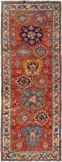 Schuler Auktionen Zürich  |  Shahsavan  NW-Iran, um 1880 110x290 cm (ft. 3.6x9.6).