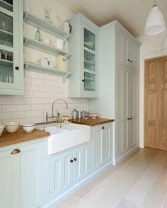 A bit of beautiful kitchen inspiration from The Classic English Pimlico kitchen #deVOLKitchens