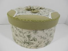 Round Quilted Top Box Sage Green Fabric Flowers Treasure by 2lewa