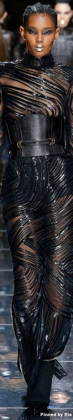 Balmain Fall 2017 Ready-to-Wear Fashion Show Fashion Moda, Fashion 2017, Couture Fashion, Runway Fashion, Womens Fashion, French Fashion, High Fashion, Fashion Show, Fashion Design