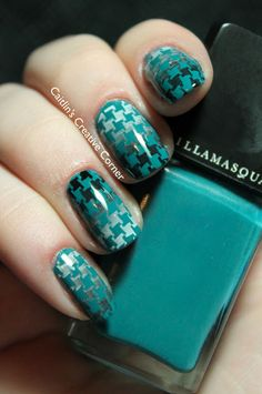 Gradient Stamped Houndstooth