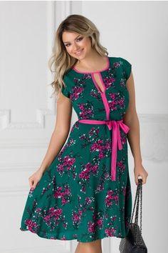 Rochie Isabel verde cu floricele roz si cordon in talie Floral, Casual, Green, Florals, Flower, Random, Flowers, Casual Clothes
