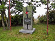 16 Památník v Malé Bukové