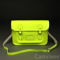 Description :    100% Quality guarantee * all bags made from China,  * Girls, Please kindly notice: there is not any LOGO labels in the bags.     If you mind it, please kindly do not purchase it. Thanks so much.*    Material: Leather         Details    A classic cambridge satchel design handmade in the china using the finest quality real leather.   Featuring a well structured body, an adjustable shoulder strap and silver buckle closures.