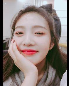 Check out Black Velvet @ Iomoio Seulgi, Park Sooyoung, Red Velvet Joy, Black Velvet, Kpop Girl Groups, Kpop Girls, Irene, Asian Music Awards, Close Up