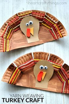 This paper plate yarn weaving turkey craft is adorable and is awesome as a fine motor activity for kids. This paper plate yarn weaving turkey craft is adorable and is aw Thanksgiving Art Projects, Fall Crafts For Kids, Holiday Crafts, Fun Crafts, Art For Kids, Craft Kids, Kids Thanksgiving, Thanksgiving Preschool Crafts, Fall Art Projects