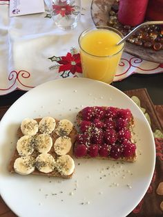 Freshly squeezed orange juice , Ezekiel bread, peanut butter, banana and raspberry . Fuel for the body to start the day on Christmas Eve. #healthychoices #over40 #organic #healthy #healthylifestyle #wholefoods #mywholefoodlife #mindbodygreen #cleaneating #colorfulfoodie #foodporn #foodie #fitwife #fitfoodaddiction #fitduefood #colorfulfoodie #801010 #veganhealthy #vegansofig #Vegan #loveyourself #loveyourbody #christmaseve