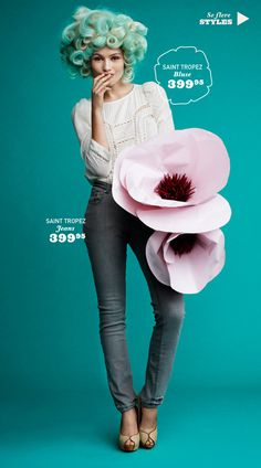 The House That Lars Built.: oversized flowers are everywhere!
