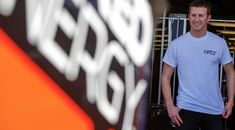 Kasey Kahne to miss 'several' sprint car races due to injury