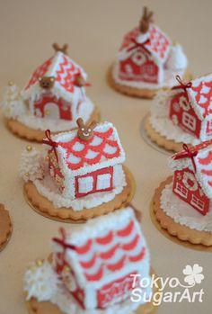 レッスンレポ☆ Red & White クッキーハウス、たくさん完成! の画像|アイシングクッキーとシュガークラフト 東京シュガーアートにいさちこ