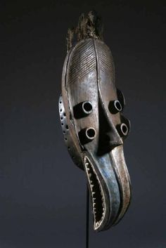 Grebo mask, Ivory Coast and Liberia. famous for many cylindrical eyes, long nose, intended to terrify enemy Afrique Art, Art Tribal, African Sculptures, Art Premier, Masks Art, African Masks, Ivory Coast, Sculpture Art, Antiques