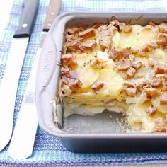 Scalloped Potatoes, Spam, and Cheese 17 Foods That Prove Spam Is Delicious And Totally Fine To Eat Spam Recipes, Slider Recipes, Pork Recipes, Cooking Recipes, Easy Recipes, Cooking Stuff, Spam Fried Rice, Potatoe Casserole Recipes, Essen