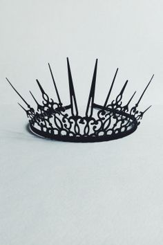 "himmelgrauart:  Crown ""Black Queen Style"""