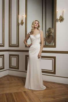 Style 8820. 2016 Justin Alexander collection #weddingdress #vintage #pleaats