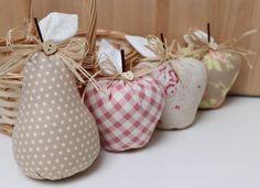 3 Äpfel und 1 Birne im Körbchen - Shabby, Landhaus von Vicky und Ricky auf DaWanda.com