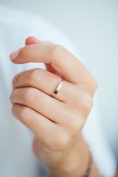 ANNA Ring Alex in 18 kt rose gold with a personalised J'Adore engraving