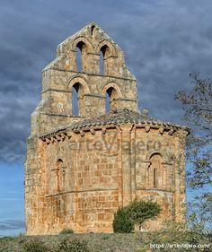 Architecture Romane, Romanesque Architecture, Monuments, Architecture Religieuse, Places In Spain, Art Story, Old Churches, Church Building, Chapelle