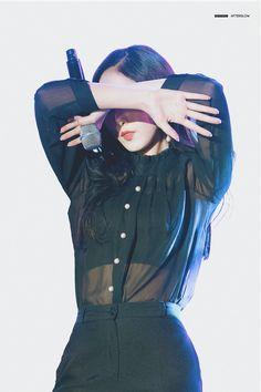 Kpop Outfits, Sexy Outfits, South Korean Girls, Korean Girl Groups, Sinb Gfriend, Role Player, Latest Music Videos, G Friend, Korean Artist
