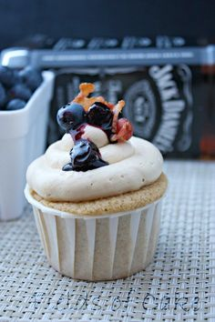 Blueberry Pancake Cupcakes with Whiskey (Jack Daniels!) Maple Buttercream are SO good. #cupcake #recipes